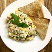 Sałatka z tuńczykiem i białą fasolą